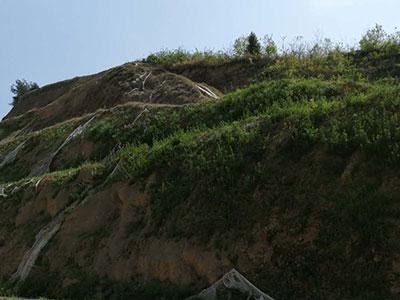 边坡绿化设备安装前的岩石清理